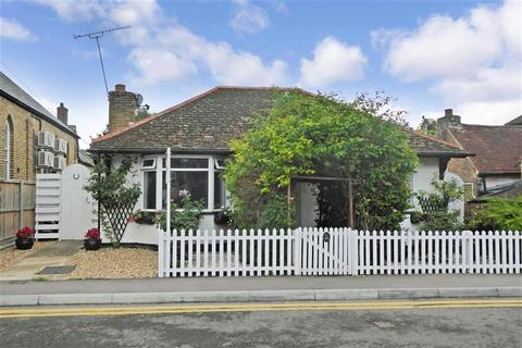 2 bedroom detached bungalow for sale - High Street, Minster, Ramsgate, Kent