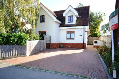 3 bedroom detached house for sale - Highwood Road, Edney Common, Writtle, Essex, CM1