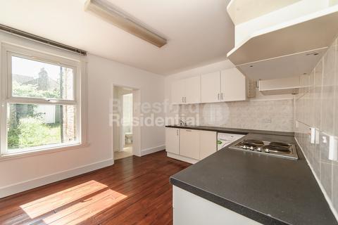 3 bedroom terraced house to rent - Leonard Road, Streatham