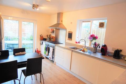 House share to rent - Swanage Road, Earlsfield, London, SW18