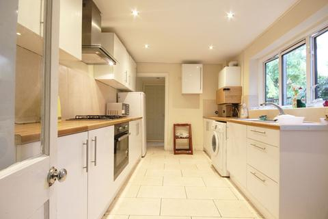 4 bedroom terraced house to rent - Cromwell Road E17