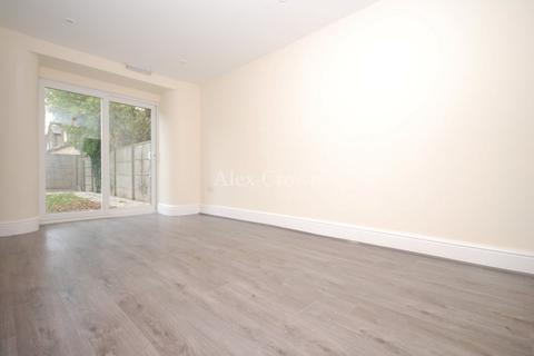 6 bedroom terraced house to rent - College Park Road, Tottenham