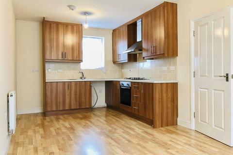 4 bedroom townhouse to rent - Rose & Crown Mews, Isleworth