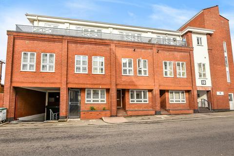 2 bedroom apartment to rent - Stoke Gardens, Slough, SL1