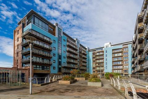 2 bedroom flat for sale - 11/10 Breadalbane Street, Edinburgh, EH6 5JJ