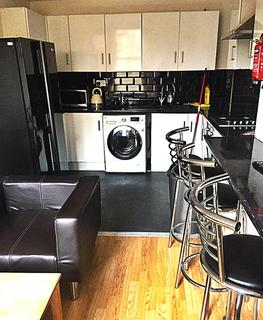 6 bedroom terraced house to rent - Simonside Terrace, Heaton, Newcastle Upon Tyne, NE6 5JX