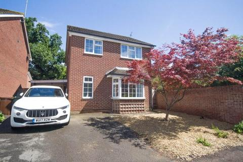 4 bedroom detached house to rent - Darwin Close, Cheltenham, GL51 0UE