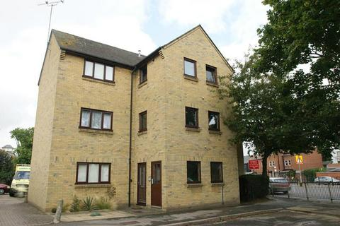 1 bedroom apartment to rent - Mildmay Road, Chelmsford, Essex, CM2