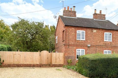 3 bedroom semi-detached house to rent - Filgrave, Newport Pagnell, Milton Keynes, Buckinghamshire, MK16