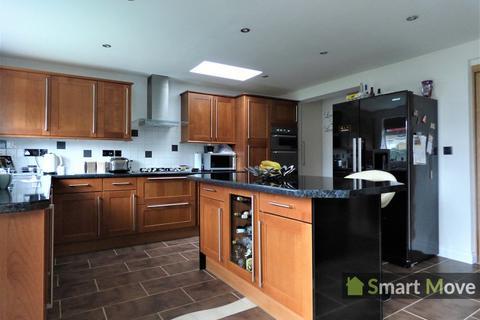 3 bedroom semi-detached house for sale - High Street, Peterborough, Cambridgeshire. PE2 9EH