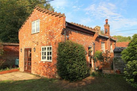 4 bedroom detached house for sale - The Street, Tibenham NR16 1QA, NORWICH