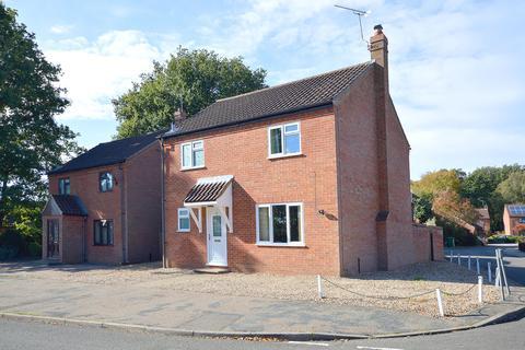 3 bedroom detached house for sale - Beech Road, Beetley