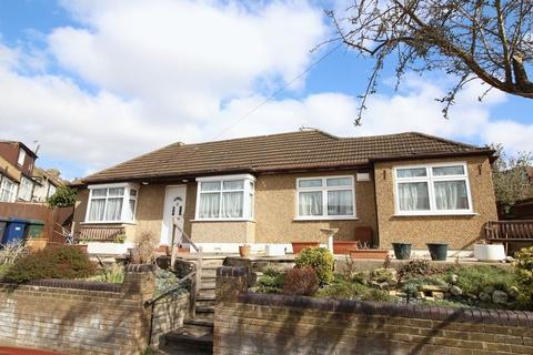 3 bedroom semi-detached bungalow for sale - Eton Avenue, East Barnet