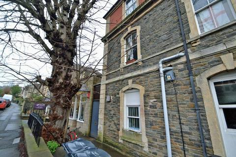 1 bedroom apartment to rent - The Clevedon shops are on your doorstep