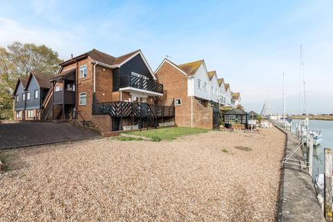 2 bedroom ground floor maisonette to rent - Rock Channel Quay, Rye, East Sussex TN31 7DL