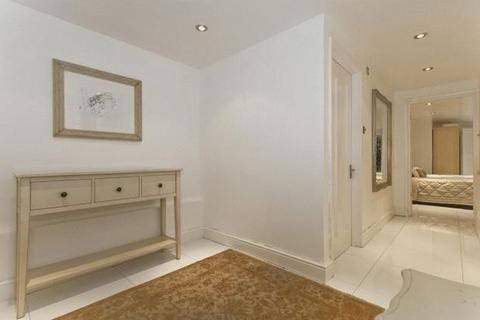 1 bedroom apartment for sale - **ONE BEDROOM GARDEN FLAT IN TOWER HILL**