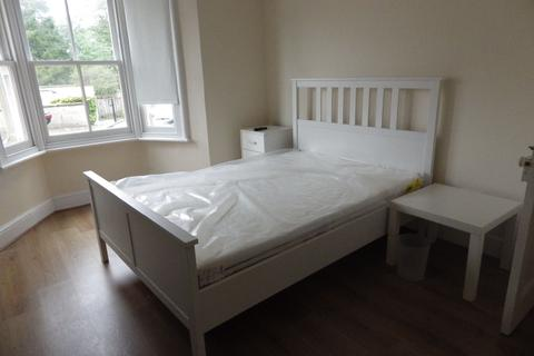 3 bedroom house share to rent - Beeches Road