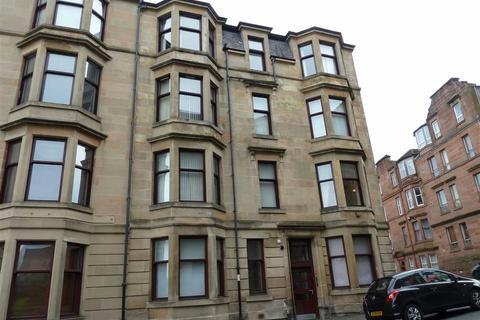 2 bedroom flat to rent - Bank Street, Greenock
