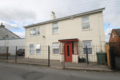 2 bedroom flat to rent - Gloucester Road, Cheltenham