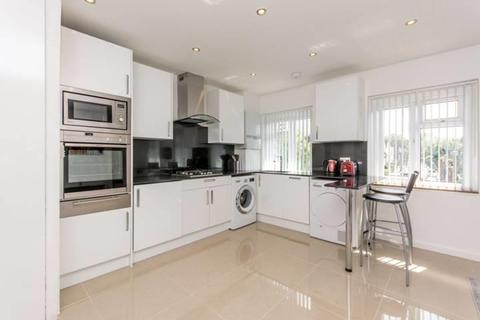 3 bedroom flat for sale - Cecil Road, London NW10 8UJ