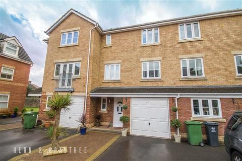 3 bedroom townhouse for sale - Reardon Smith Court, Fairwater, Cardiff
