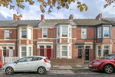3 bedroom flat for sale - Helmsley Road, Sandyford, Newcastle upon Tyne