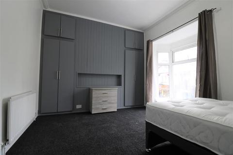 1 bedroom house share to rent - Newland Avenue, Hull, HU5