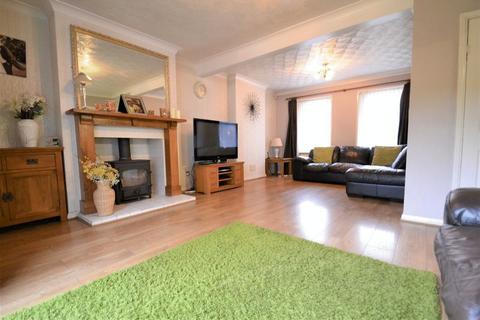 3 bedroom semi-detached house for sale - Monsal Avenue, M7, Salford