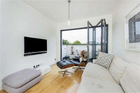 1 bedroom flat for sale - Bronsart Road, Fulham, London, SW6