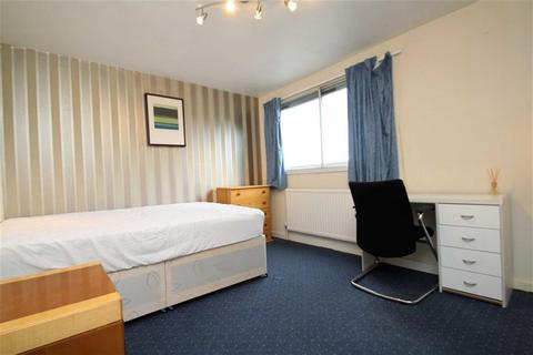 House share to rent - Greatfields Drive, Hillingdon, Middlesex