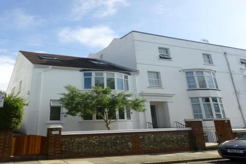 Studio to rent - Powis Grove, Brighton, BN1 3HF