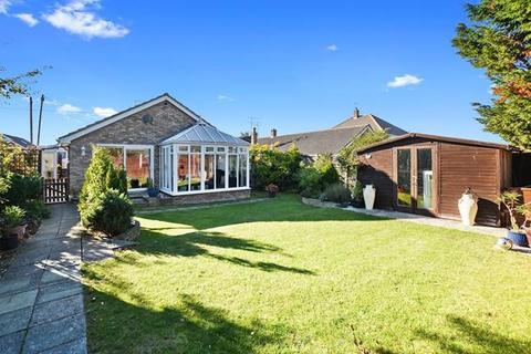 3 bedroom bungalow for sale - Marine Parade, Chelmsford, Essex, CM3 6AP