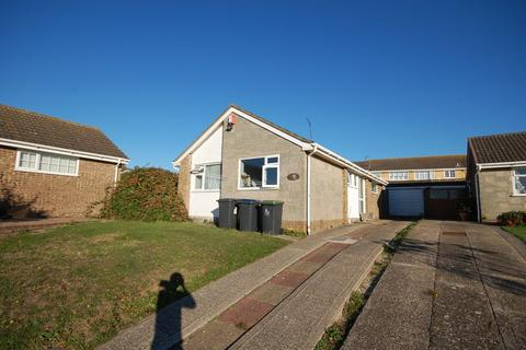 2 bedroom detached bungalow for sale - Dorset Close, Whitstable