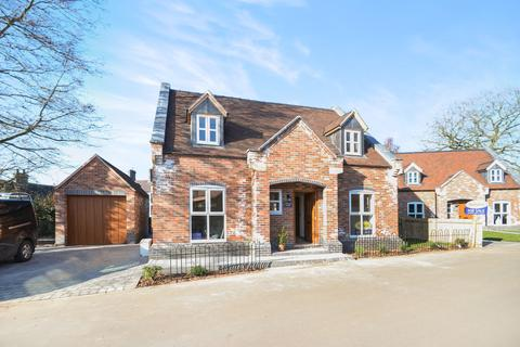 3 bedroom detached house for sale - Chetwynd Road, Newport