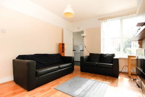 2 bedroom flat to rent - Benfield Road, High Heaton, Newcastle Upon Tyne