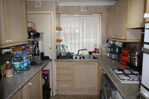 3 bedroom ground floor flat for sale - Bettswood Court
