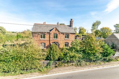 4 bedroom detached house for sale - Northwich Road, Higher Whitley, Warrington