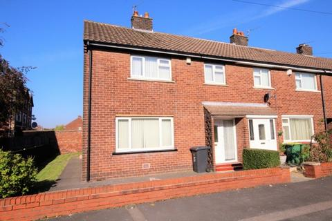 3 bedroom terraced house to rent - Lulworth Road,  Preston, PR2