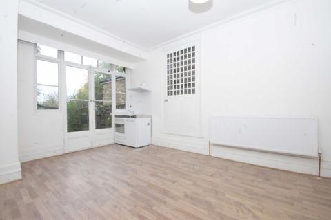 Studio to rent - Old Oak Road, Acton