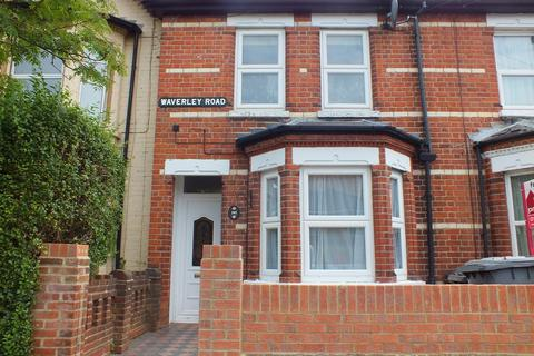 4 bedroom terraced house to rent - Waverley Road, Reading