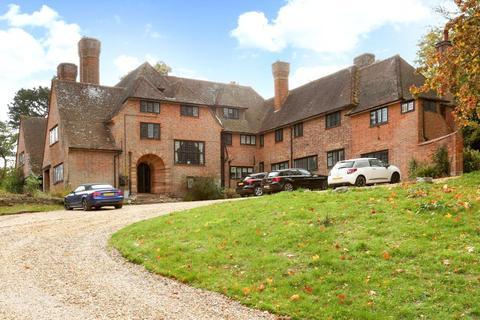 3 bedroom flat to rent - High Chimneys, Westwood Road, Windlesham, Surrey