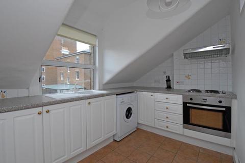 Studio to rent - Richmond, Surrey, TW10