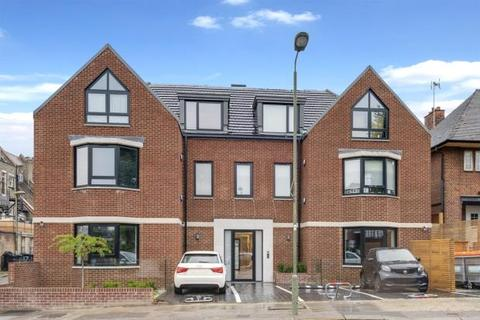3 bedroom flat for sale - Hodford Road, Golders Green, London, NW11