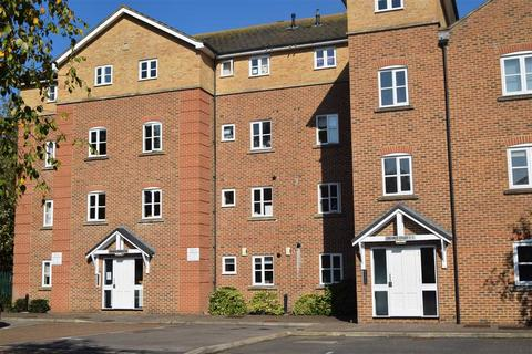 2 bedroom flat to rent - Creance Court, Seymour Street, Chelmsford