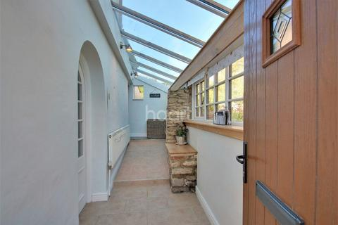 3 bedroom cottage for sale - West Street, Stanwick