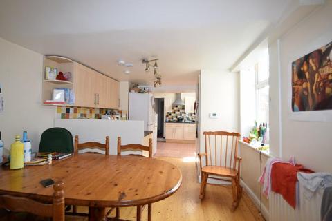 8 bedroom terraced house to rent - Simonside Terrace, NEWCASTLE UPON TYNE NE6