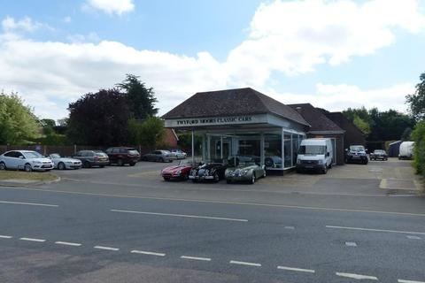 Workshop & retail space for sale - South Lane, Clanfield, Waterlooville, Hampshire