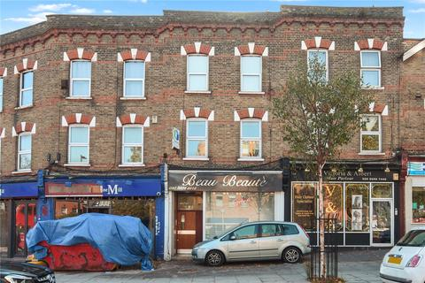 1 bedroom flat for sale - High Road, London, E18