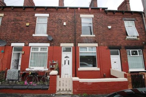4 bedroom terraced house to rent - Highfield Road, Bramley, LS13 2BX