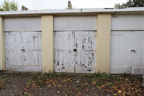 Garage to rent - Station Road, Keynsham, Bristol